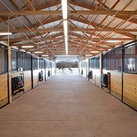 Horse_Barn_Aisle