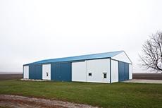 post frame buildings_sliding doors