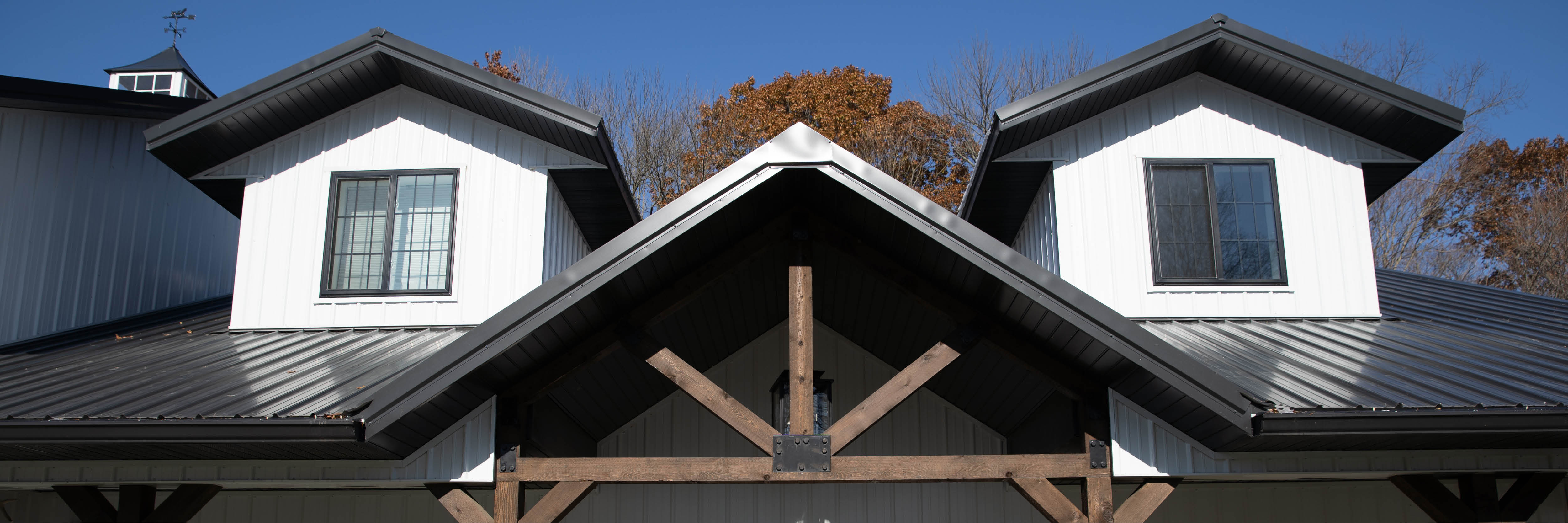 Metal Roofing vs Shingles: Which One is Right for You?